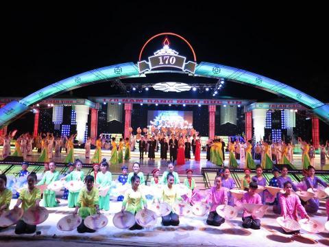 Đêm Nhạc Hội mừng Năm Thánh kỷ niệm 170 năm thành lập Giáo Phận Vinh (1846-2016)